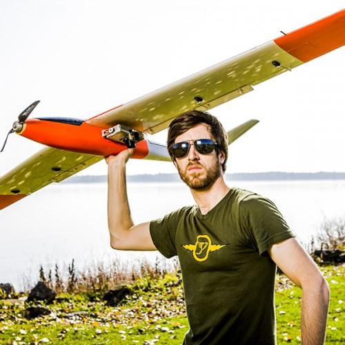 Magazine L' actualite: Dossier sur les Drônes